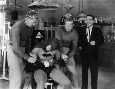 naish-as-daka-in-the-serial-batman-19431