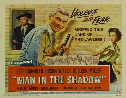 Man in the Shadow (1957)_02