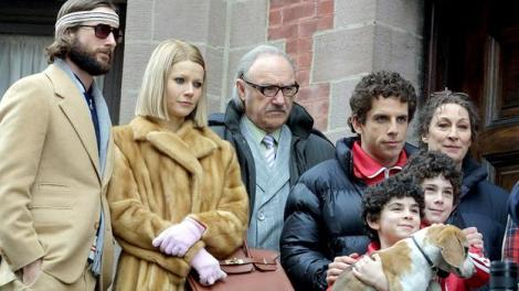 "Mandatory Credit: Photo by Startraks Photo / Rex Features (334917c) LUKE WILSON, GWYNETH PALTROW,GENE HACKMAN BEN STILLER AND ANJELICA HUSTON SET OF THE NEW FILM ""THE ROYAL TENENBAUMS"" NEW YORK AMERICA 02 APR 2001"