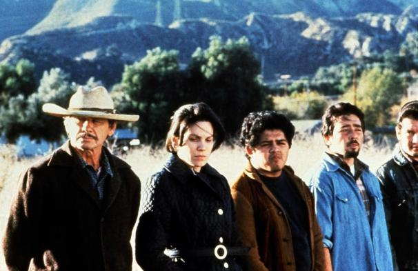 BORDERLINE, first two from left: Charles Bronson, Karmin Murcelo, 1980. ©Associated Film Distribution