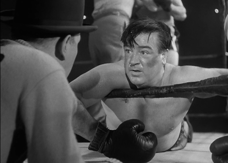 abbott-and-costello-meet-the-invisible-man-boxing-match-lou-costello