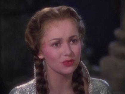 Olivia-de-Havilland-as-Maid-Marian