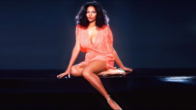 pam grier glamour