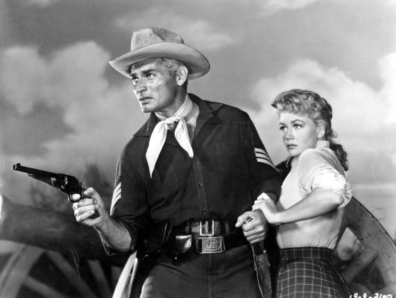 jeff-chandler-and-dorothy-malone-in-förbjudet-land-(1956)