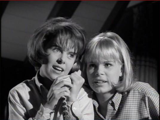 andi-garrett-sara-lane-saw-what-you-did-1965